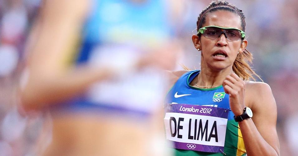 Brasileira Jailma de Lima compete em eliminatória dos 400 m com barreira