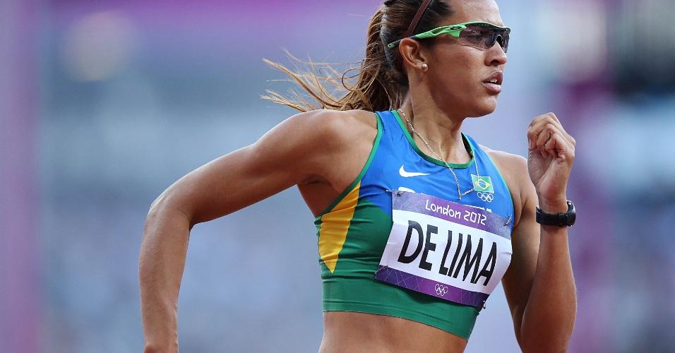 Brasileira Jailma de Lima compete em eliminatória dos 400 m com obstáculo
