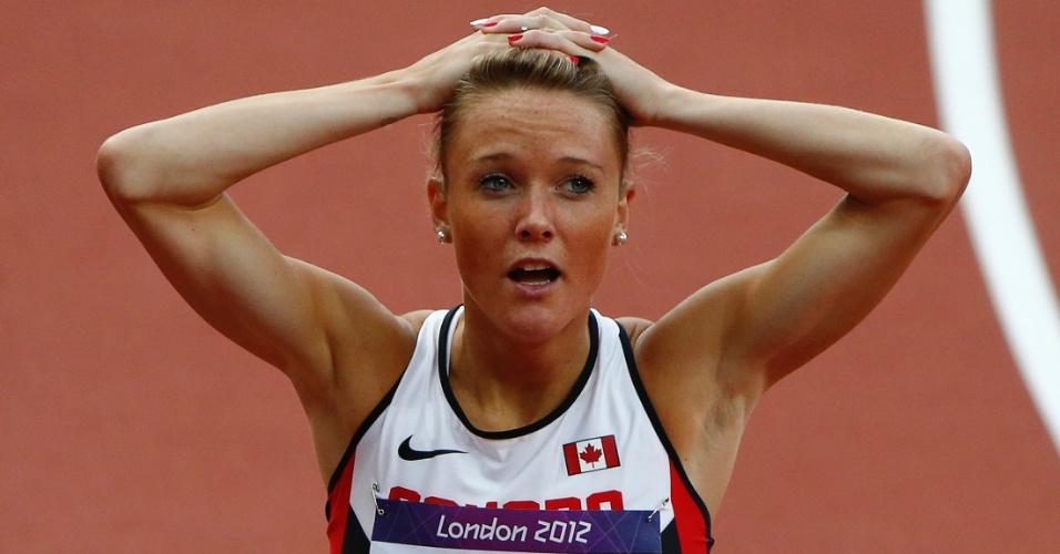 Canadense Sarah-Lynn Wells reage surpresa ao conquistar a última vaga em disputa de sua série para a semifinal dos 400 m com obstáculos