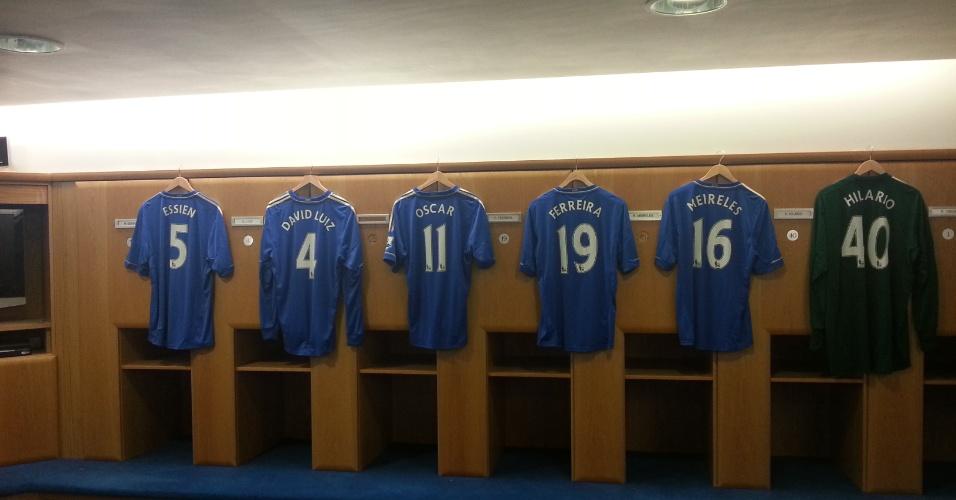 Chelsea dá camisa 11 de Drogba para Oscar e já a coloca no vestiário