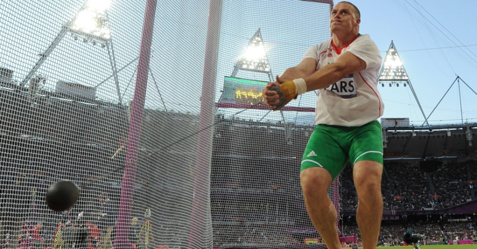 Húngaro Krisztian Pars compete na final olímpica do arremesso de peso