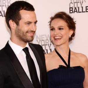 Natalie Portman e o noivo Benjamin Millepied vão a baile beneficente em Nova York (10/5/12) - Stephen Lovekin/Getty Images