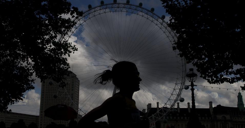 O terceiro dia de competições do atletismo nos Jogos Olímpicos de Londres começou com a maratona feminina