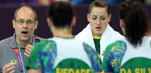 O treinador Morten Soubak afirmou que o Brasil pode enfrentar qualquer seleção de igual para igual