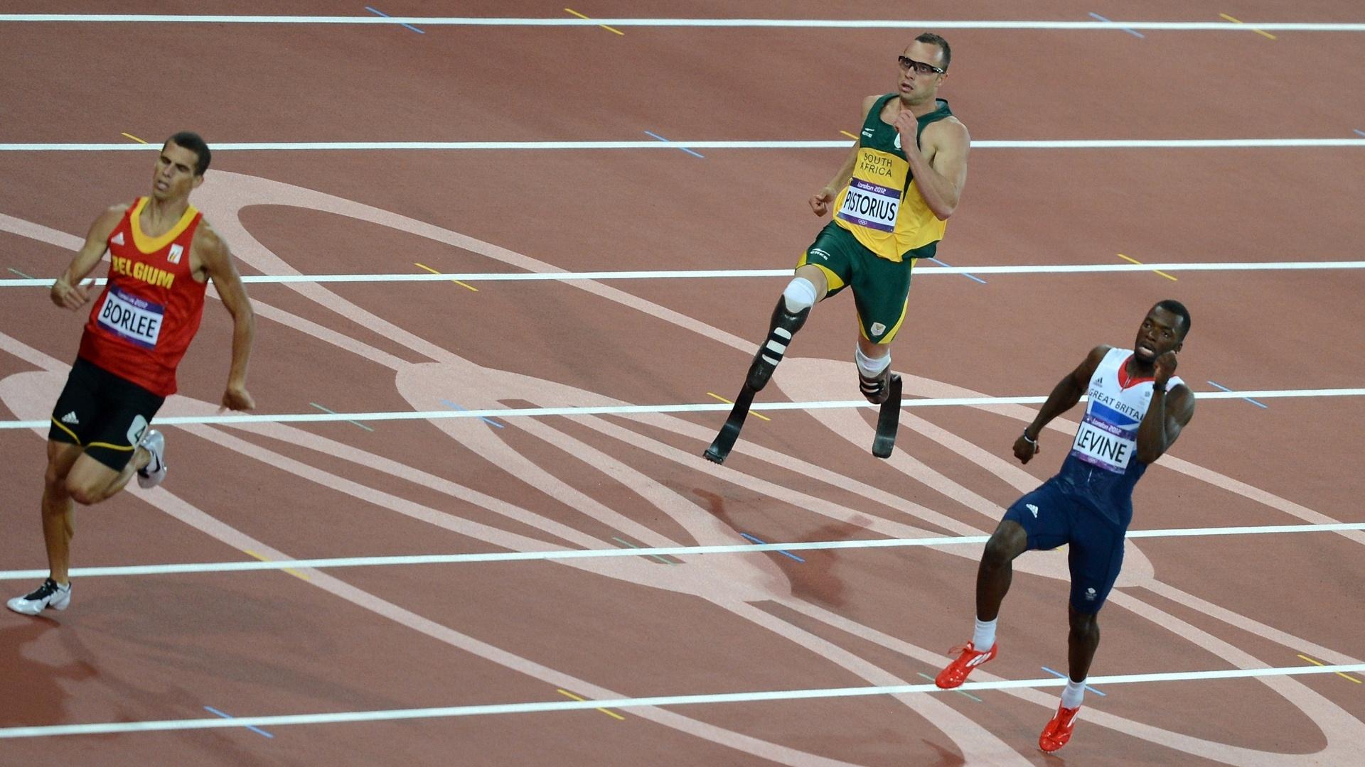 Passos para a história: biamputado, Oscar Pistorius compete nas semifinais dos 400 m