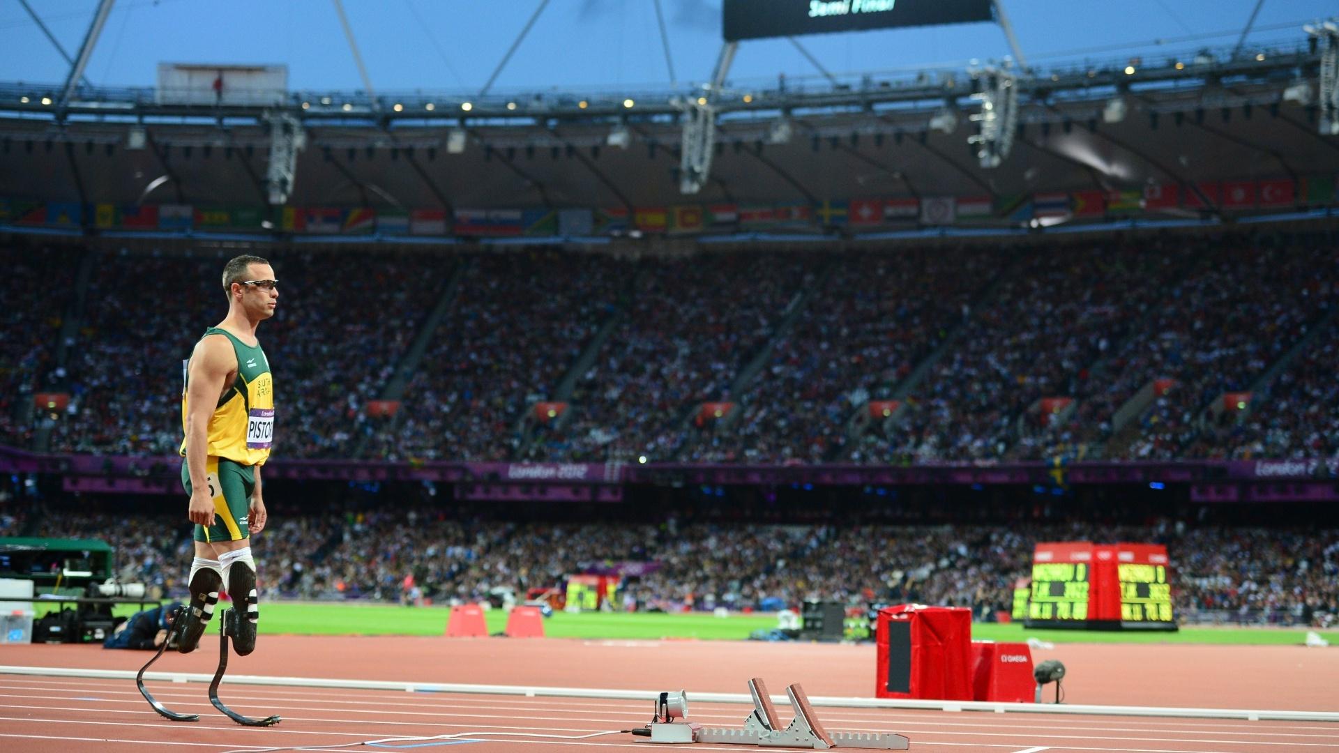 Passos para a história: biamputado, Oscar Pistorius prepara-se para disputar semifinais dos 400 m