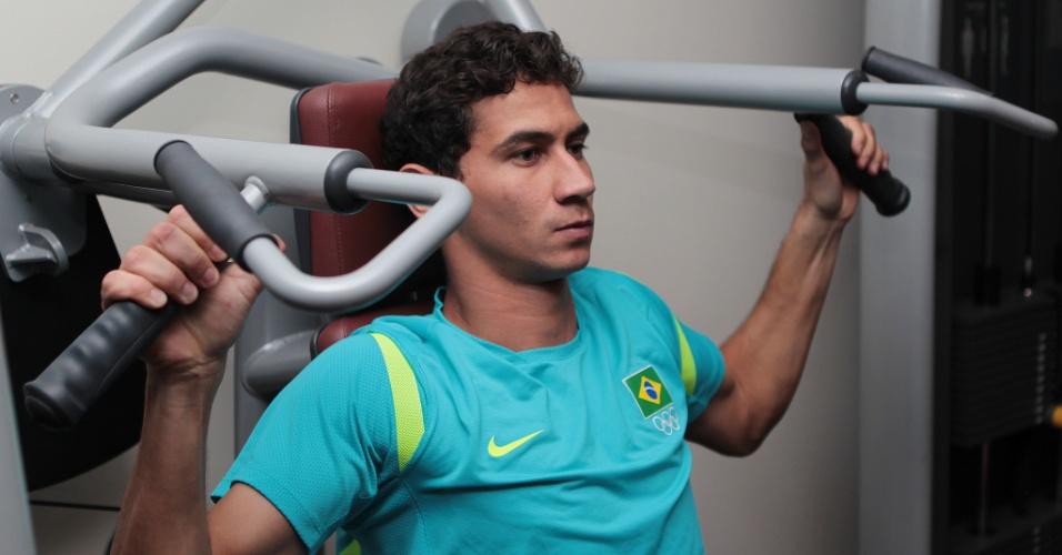 Paulo Henrique Ganso realiza treino físico na academia; Brasil já está em Manchester, local da semifinal contra a Coreia do Sul (05/08/2012)