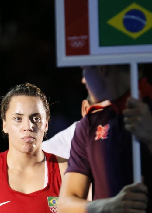 Roseli Feitosa é apresentada para sua estreia no boxe; campeã mundial em 2010, ela foi derrotada e caiu nas oitavas de final