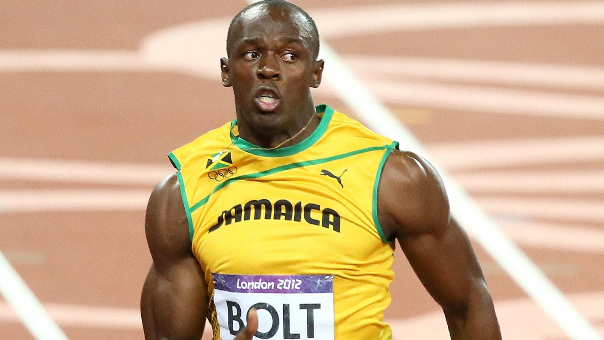 Usain Bolt corre durante final olímpica dos 100 m rasos