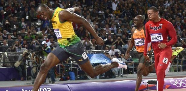 Sem saber do incidente, Usain Bolt venceu a prova dos 100 m rasos e quebrou o recorde olímpico