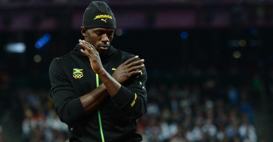 Usain Bolt dança antes da final olímpica dos 100 m rasos