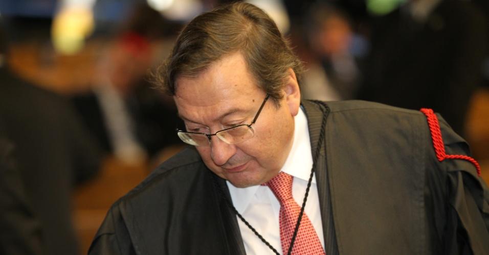 6.ago.2012 - O advogado Arnaldo Malheiros Filho, que representa o ex-tesoureiro do PT Delúbio Soares, um dos réus no julgamento do mensalão, negou que seu cliente tenha buscado recursos de maneira ilegal para comprar parlamentares