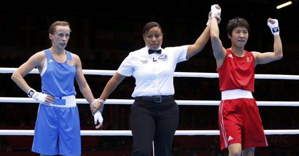A chinesa Ren Cancan leva a melhor no combate contra a russa Elena Savelyeva