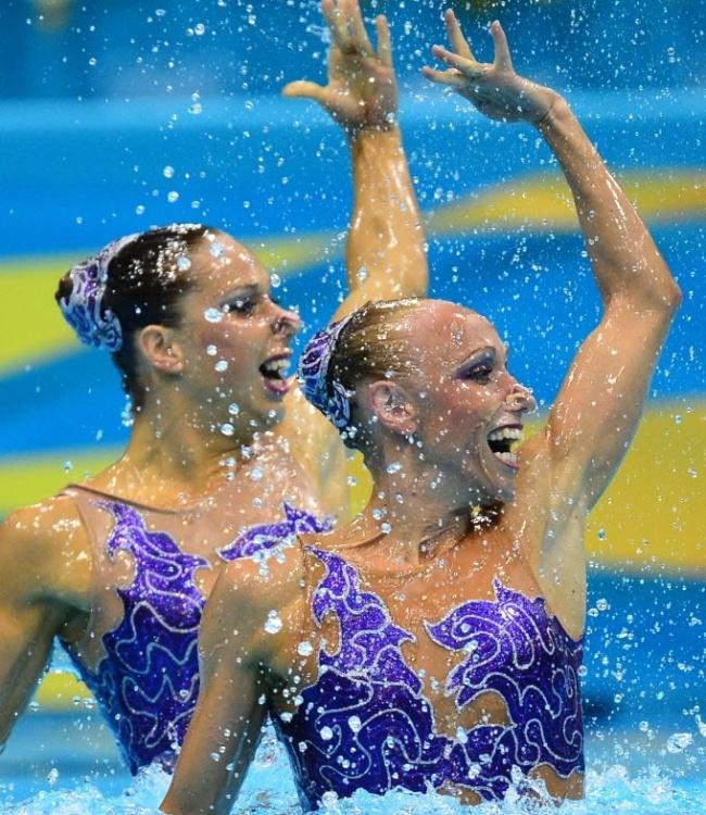 As tchecas Alzbeta Dufkova e Sona Bernardova apostaram em um modelo roxo