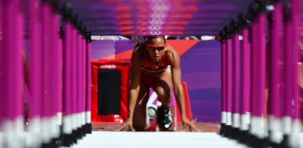 Marketing pessoal da virgem LoLo Jones continua sendo superior aos seus resultados como atleta