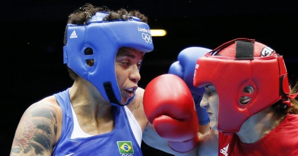 Brasileira Adriana Araújo luta contra a marroquina Mahjouba Oubtil em luta válida pelas quartas de final da categoria até 60 kg (06/08/2012)