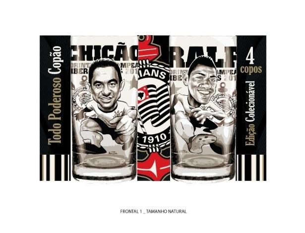 Chicão e Ralf viraram caricaturas para copos do Corinthians em homenagem a campeões da Libertadores