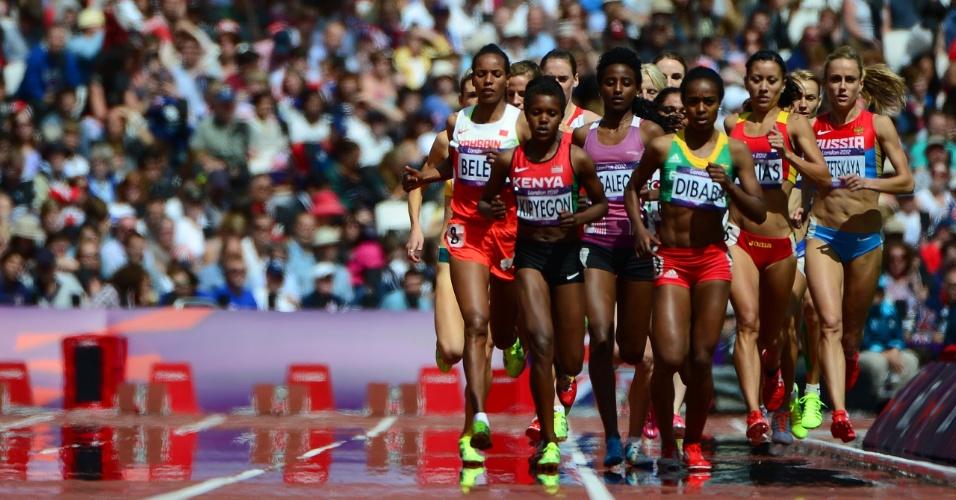 Etíope Genzebe Dibaba lidera pelotão de série eliminatória dos 1500 m