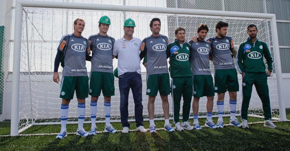 Goleiros e alguns integrantes da comissão ganharam a companhia de Marcos e fecharam o gol na Arena Palestra