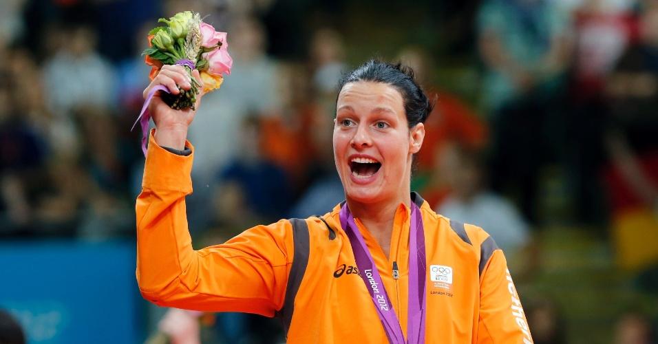 Judoca holandesa Edith Bosch, medalha de bronze na categoria até 70 kg, revelou que deu um tapa no homem que supostamente atirou garrafa na pista