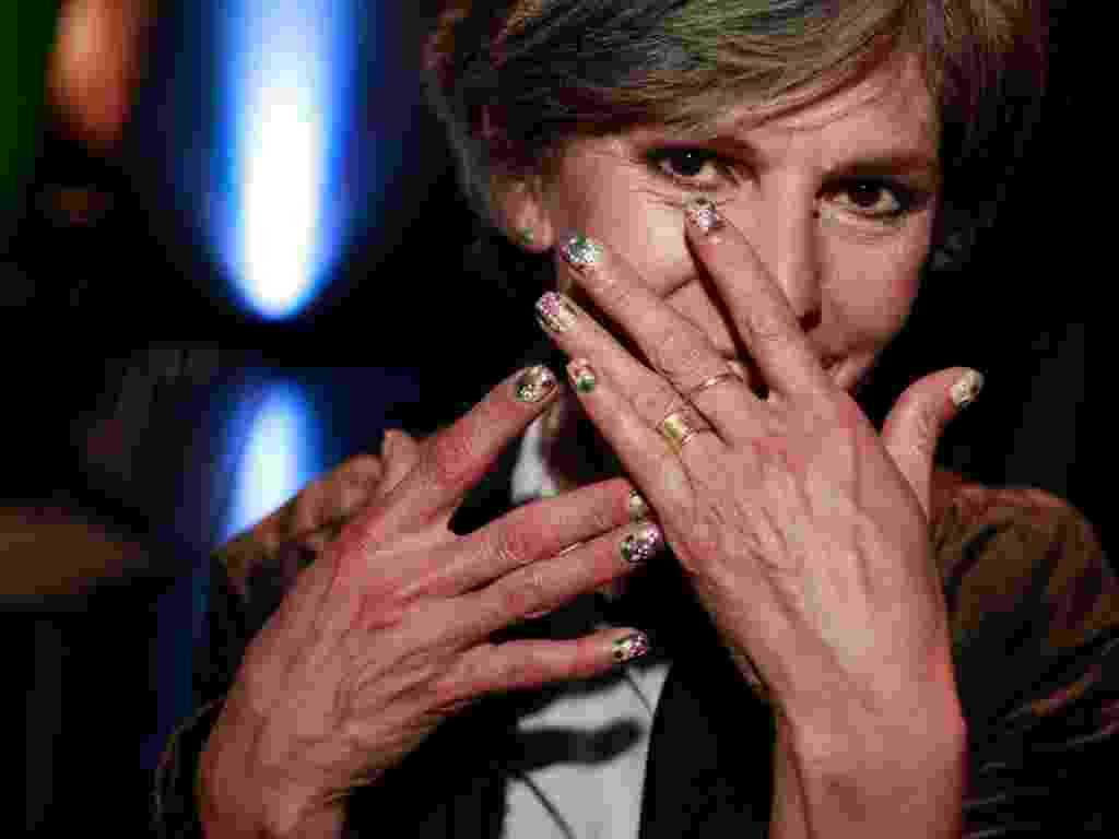 """Margarida Ramos, 49, é treinadora da Colorama e escolheu uma mistura de tons da coleção """"Estilo África"""" da marca para decorar suas unhas para o evento (06/08/2012) - Alisson Louback/UOL"""