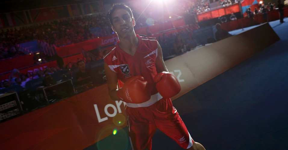Neozelandesa Alexis Pritchard chega ao ginásio olímpico de Londres para confronto contra russa Sofya Ochigava, pelo peso leve
