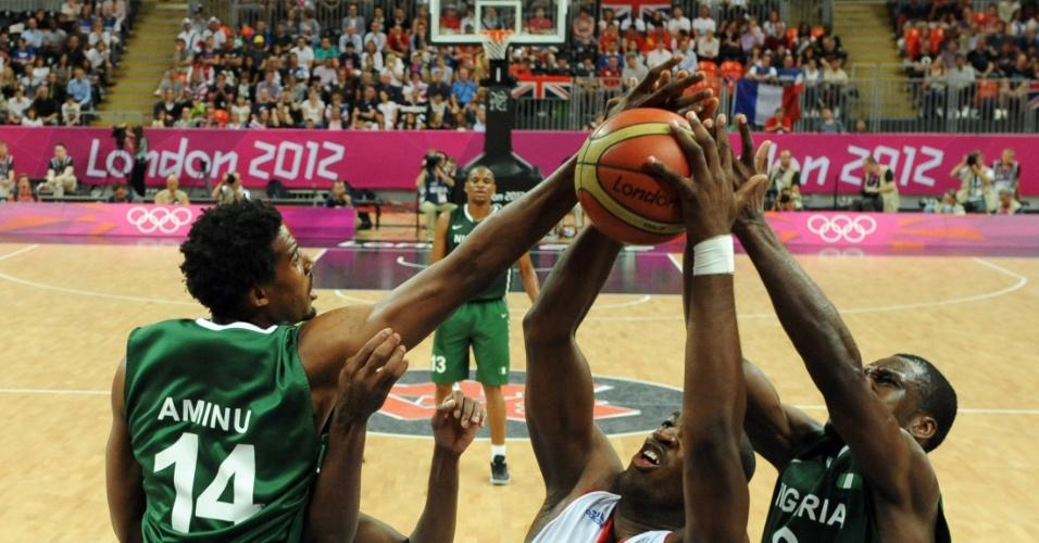 França venceu a Nigéria por 79 a 73 no último jogo da primeira fase
