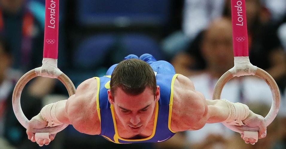 O ginasta brasileiro Arthur Zanetti conquistou o ouro com a nota de 15,900 pontos