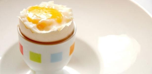 Estudo mostrou que o consumo de um ovo inteiro no café da manhã pode ser eficiente para melhorar os níveis do HDL, o bom colesterol, na corrente sanguínea de pessoas com risco de doenças cardiovasculares  - Karime Xavier/Folhapress
