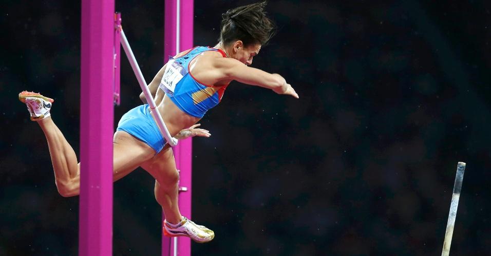 Russa Yelena Isinbayeva não conseguer ultrapassar barreira na final olímpica do salto com vara