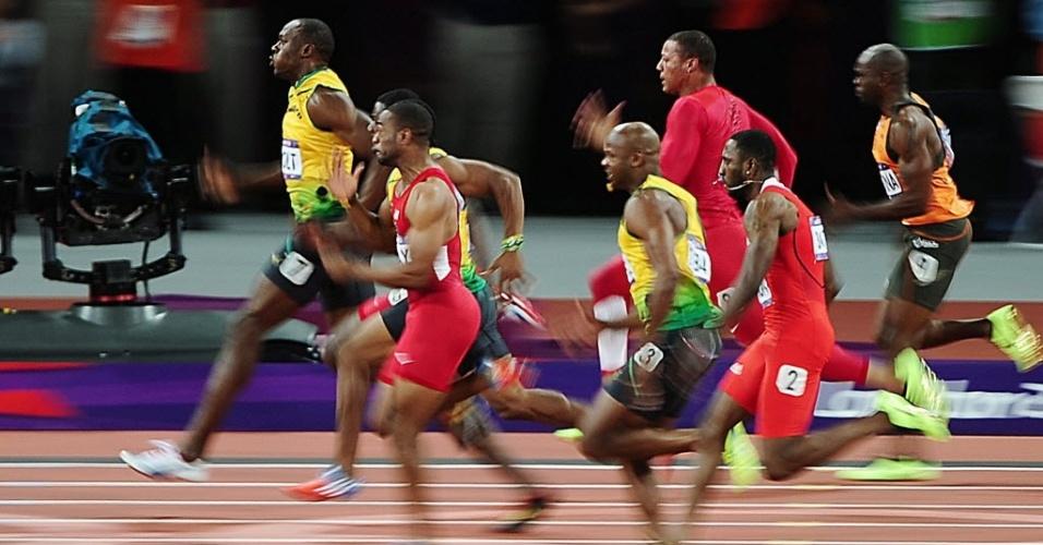 Usain Bolt puxa o pelotão na final dos 100 m rasos, a prova mais veloz do atletismo