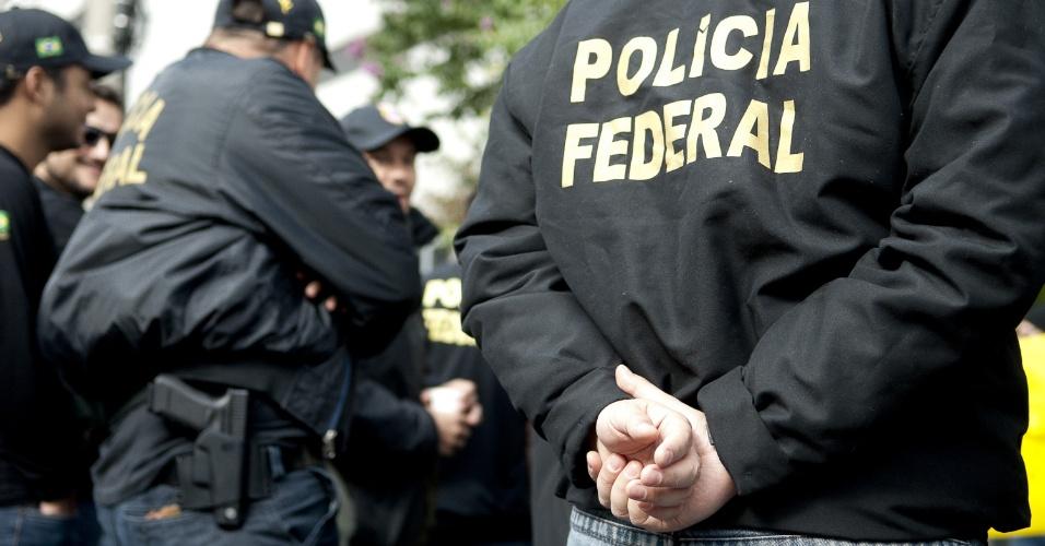 7.ago.2012 - Servidores da Polícia Federal de São Paulo aderiram a greve nacional para reivindicar reestruturação na carreira