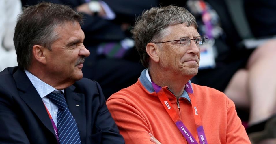 Bill Gates acompanha duelo entre o suíço Roger Federer e o argentino Juan Martin Del Potro, pela semifinal do torneio masculino de simples