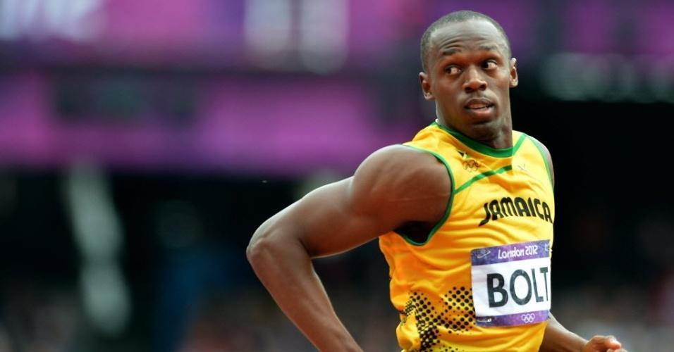 Bolt foi soberano na sua bateria dos 200 m rasos e venceu com facilidade