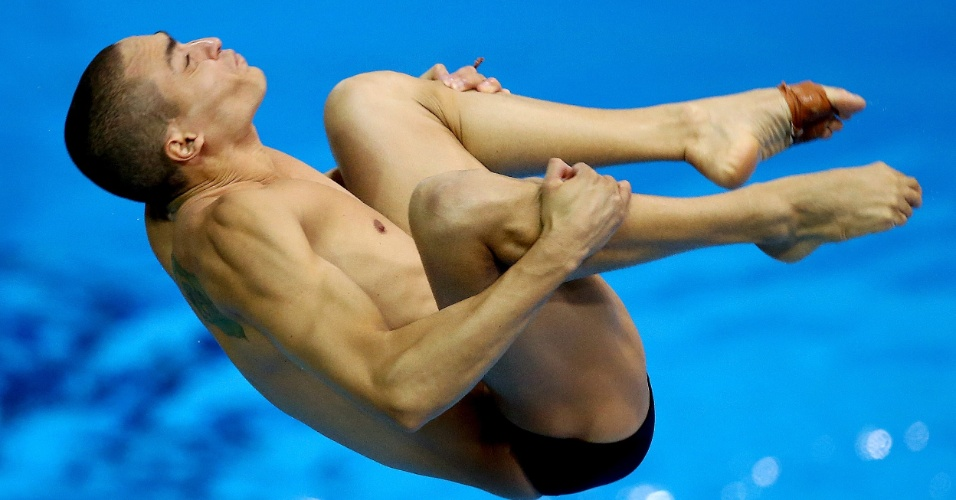 Brasileiro Cesar Castro realiza salto em semifinal do trampolim de 3m dos Jogos Olímpicos
