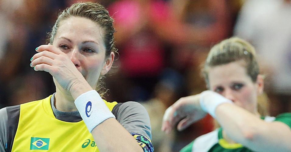 Jogadoras brasileiras choram eliminação dos Jogos Olímpicos após derrota de virada para a Noruega