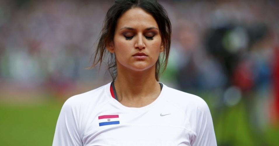 Musa paraguaia Leryn Franco se concentra antes de disputar o lançamento de dardo em Londres