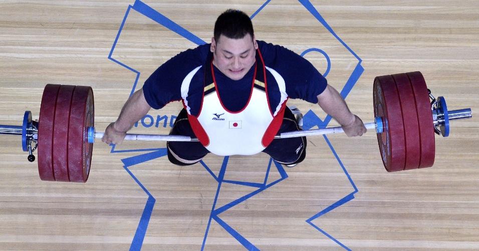 Ota Kazuomi, durante competição de mais de 105 kg do levantamento de peso