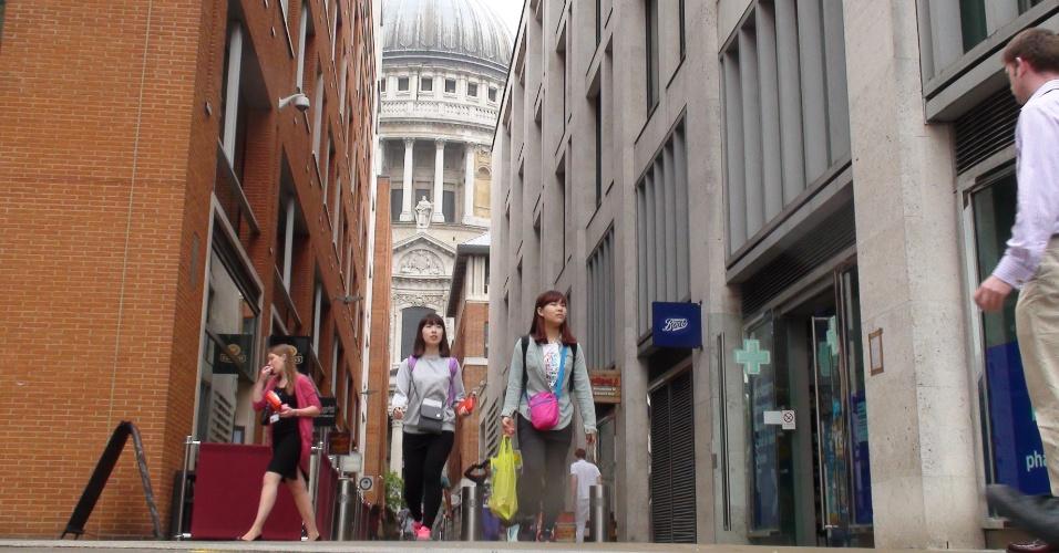 A rua Paternoster Row, atrás da catedral Saint Paul, no centro de Londres, é o berço do Corinthians londrino