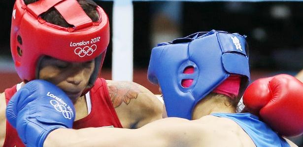 Adriana Araújo encara russa Sofya Ochigava, na semifinal da categoria até 60 kg.