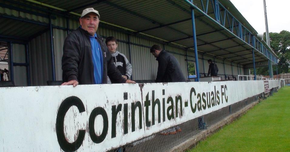 Brian Adamson era o técnico do Corinthians quando o time londrino excursionou pelo Brasil em 2001 e jogou com seu afilhado paulista