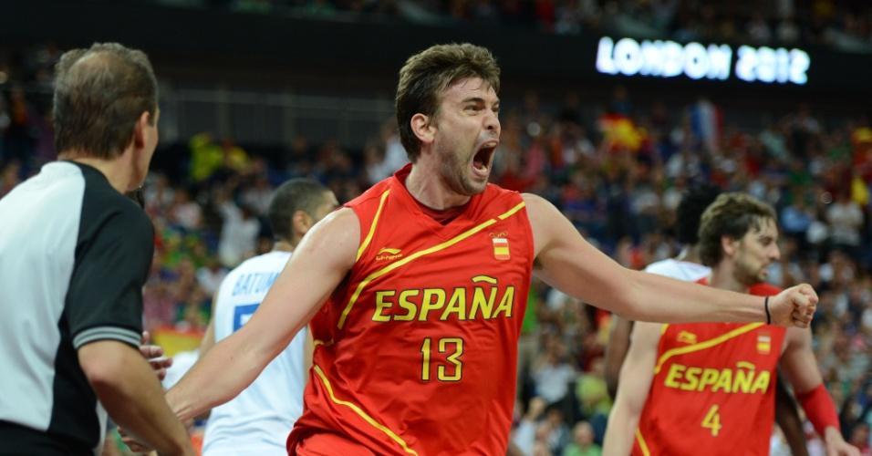 Espanhol Marc Gasol vibra após converter cesta contra a França, em duelo válido pelas quartas de final do torneio olímpico