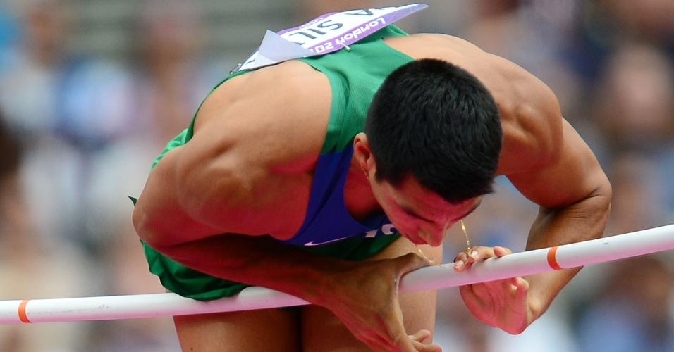 Fábio Gomes da Silva fracassou em suas três tentativas de saltar 5,50m e foi eliminado dos Jogos