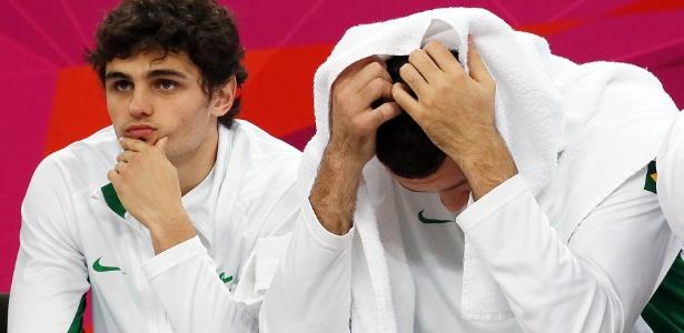 Frustração toma conta do banco de reservas brasileiro no final da partida contra a Argentina