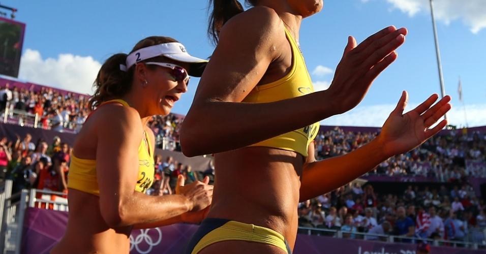 Juliana e Larissa entram em quadra para duelo com chinesas, na disputa da medalha de bronze