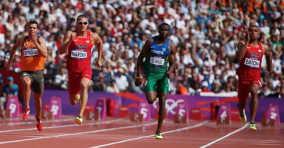 Luiz Alberto de Araújo corre prova dos 100m rasos no decatlo olímpico