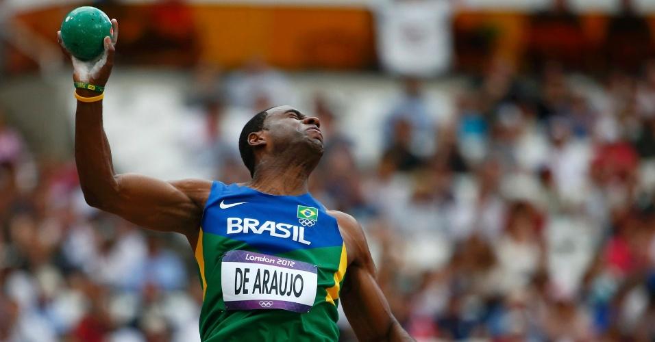 Luiz Alberto de Araújo disputa terceira prova do decatlo dos Jogos Olímpicos, o arremesso de peso