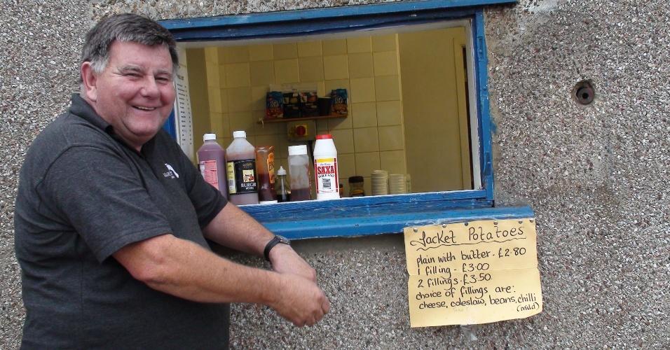 Martin Foley é o dono do pub no clube e lucra 200 libras em alimento e bebida por jogo do Corinthians em casa