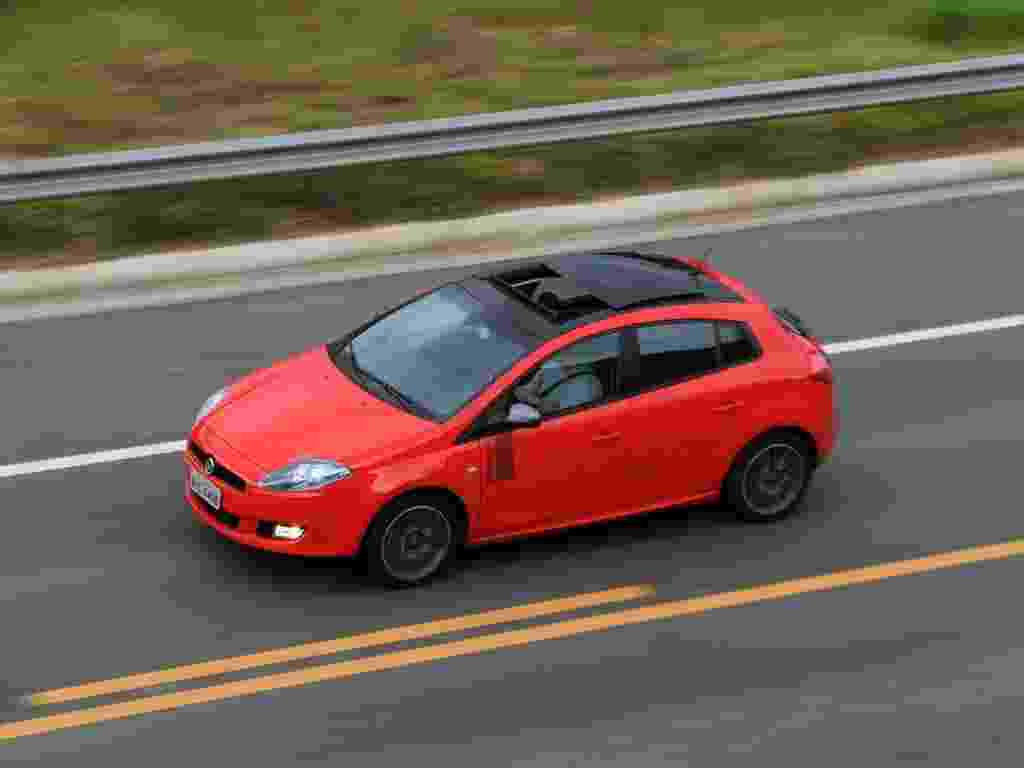 """Novo Fiat Bravo Sporting Dualogic melhorou com os """"soluços"""" do câmbio mais curtos; consumo de combustível, porém, é problema - Murilo Góes/UOL"""