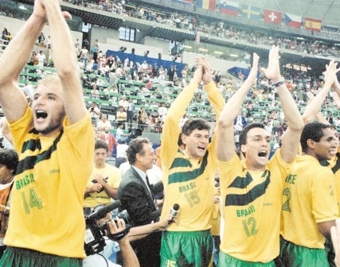 Planejada para conquistar o ouro em Atlanta-1996, a seleção comandada pelo técnico José Roberto Guimarães derrubou favoritos e conquistou o título olímpico já em Barcelona-1992